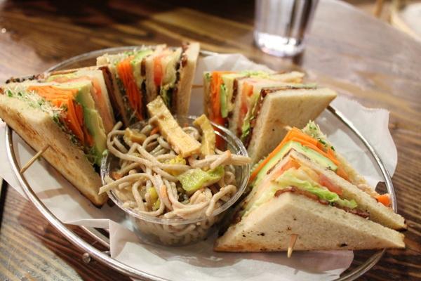 M Cafe Club