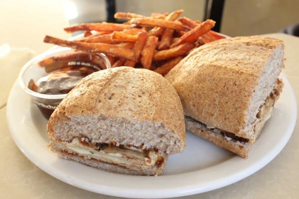 Cafe Muse BBQ Chicken Sandwich
