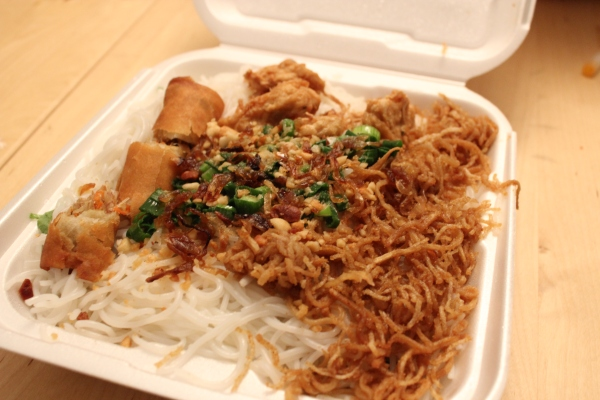 Thuyen Vien Vermicelli Noodles with Grilled Pork