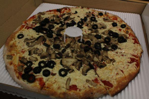 zPizza Mushroom and Olive Pizza