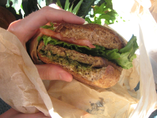 Evolution Fast Food Pesto Burger