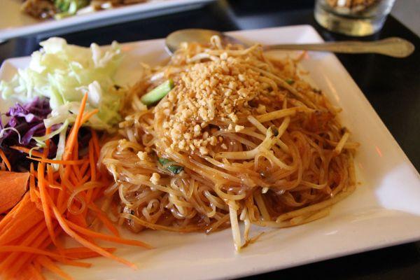 Mu Pad Thai